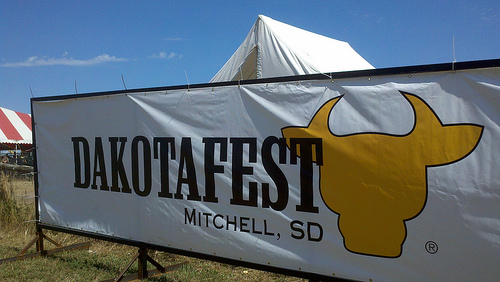 dakotafestsign